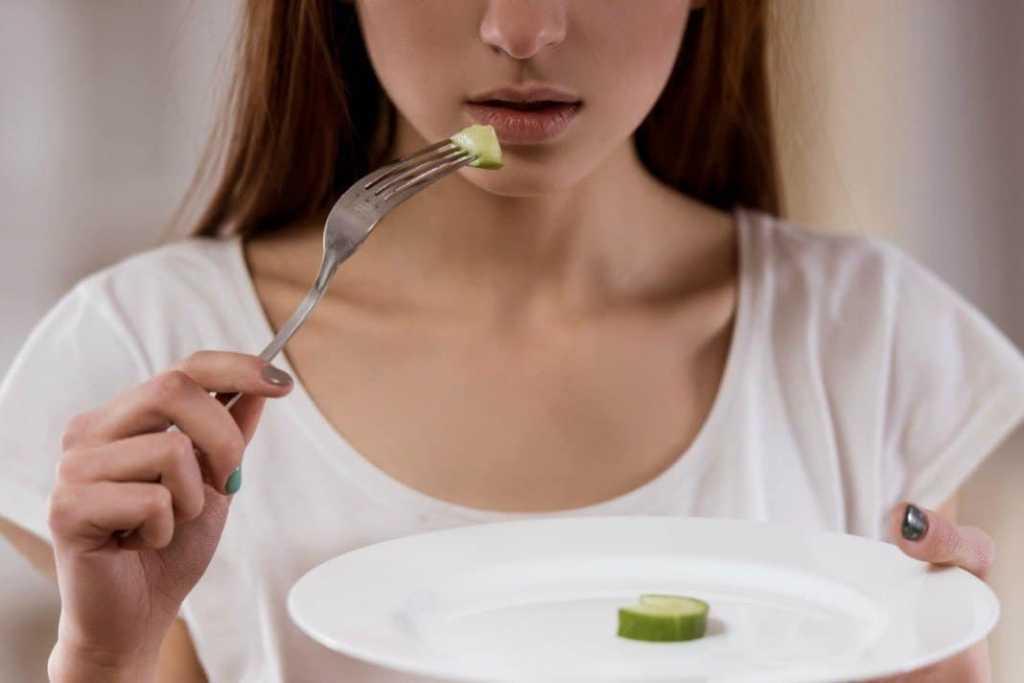 Anoreksiyanın Yol Açtığı Fiziksel Ve Ruhsal Sorunlar
